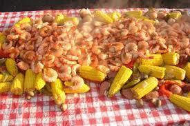 Large_shrimp_boil_party